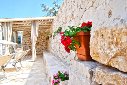 Charming-Trulli-Alberobello-52